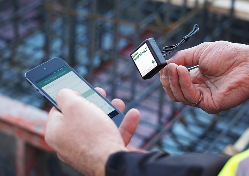 SmartRock2-wireless-concrete-temperature-sensor 1